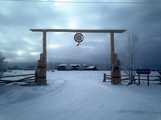 Victor, ID: Dreamcatcher Entrance Winter