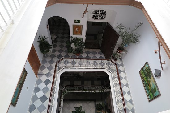Hostal Centro Sol: Patio interior