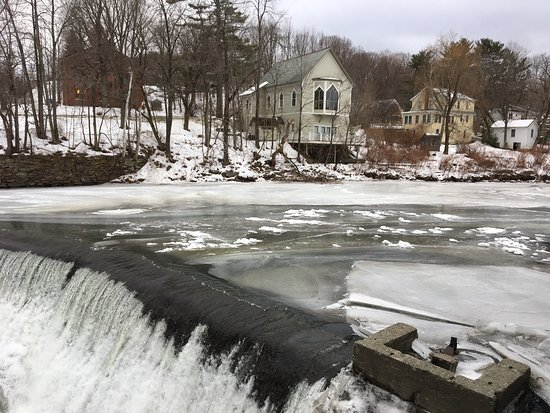 Quechee, VT: Visit during a cold winter day ...