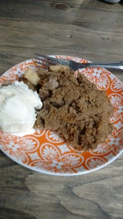 Oceanside, NY: Homemade apple cobbler with ice cream