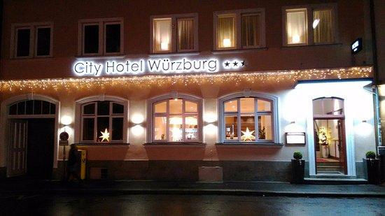 Besuch Auf Dem Weihnachtsmarkt.Weihnachtsmarkt Besuch Bild Von City Hotel Würzburg Würzburg