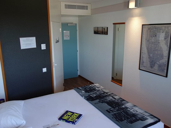 Granges-Paccot, Zwitserland: Guest Room