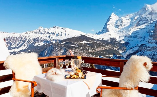 Eiger Guesthouse: Terrasse