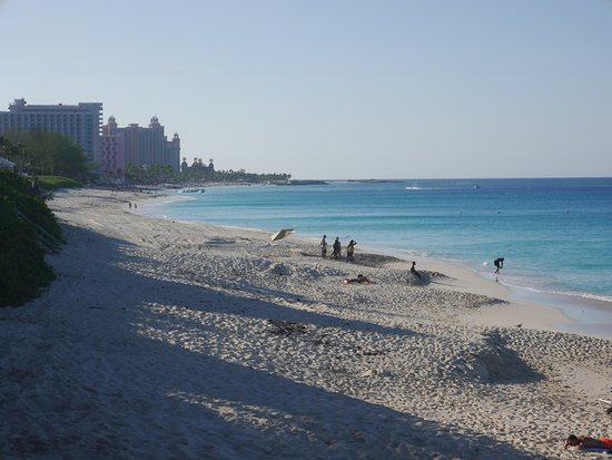 Paradise Island Beach Club: Cabbage Beach looking towards Atlantis