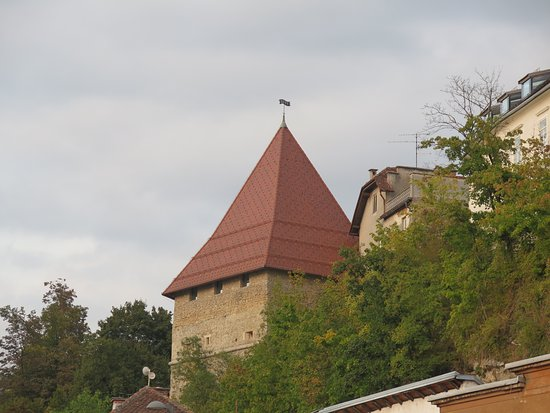 Skrlovec Tower