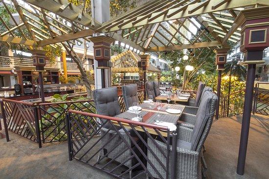 Salle à Manger Dinspiration Tropicale Picture Of Les Palmes