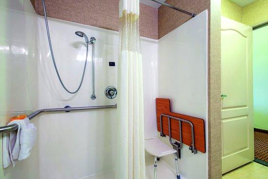 Cleburne, TX: Bathroom