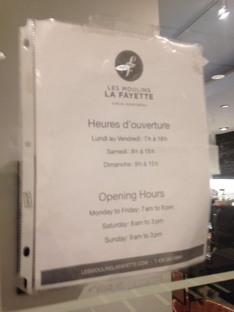 Le Westin Montreal: Coffee & Pastries on the first floor!