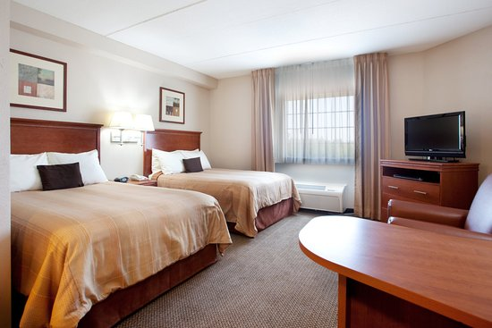 Candlewood Suites Columbia-Ft. Jackson: Candlewood Suites Fort Jackson's two bed suite.