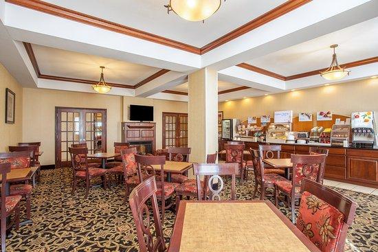 Clarksville, AR: Breakfast Area