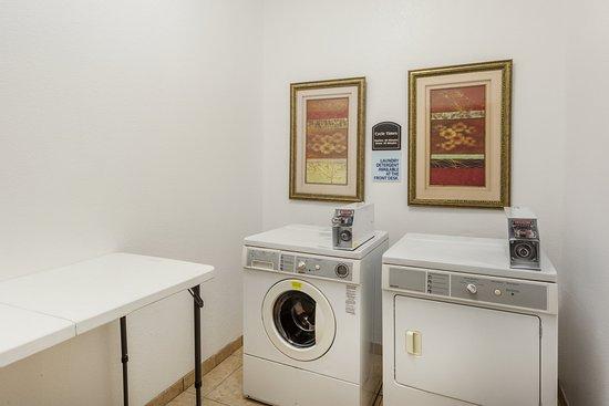 Clarksville, AR: Laundry Facility