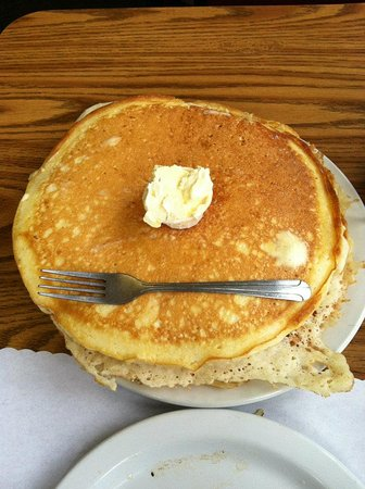Hungry Bear Cafe, Motel & RV Park: Lumberjack pancakes