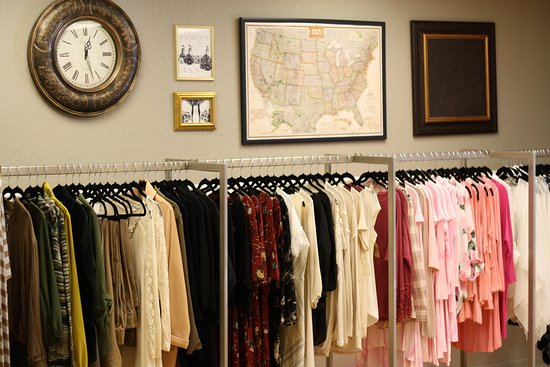 Dixon, IL: The Asterisk Boutique