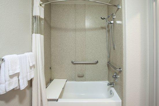 Kyle, TX: Bathroom