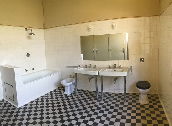 Villa Cavrois: Une Des Salles De Bain Des Enfants