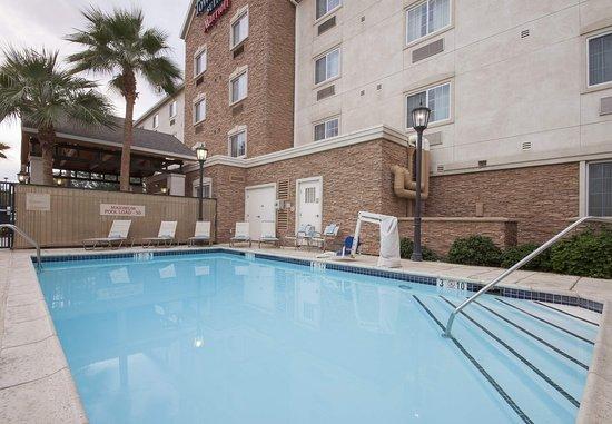 El Centro, CA: Outdoor Pool