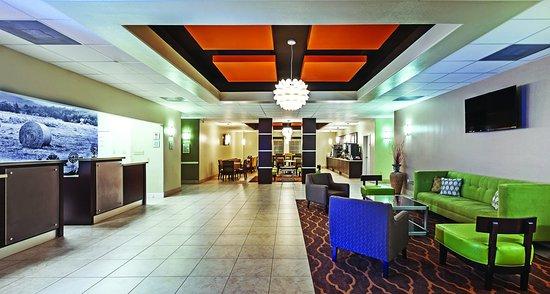 Angleton, Teksas: Lobby