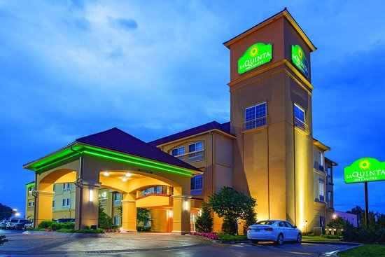 La Quinta Inn & Suites Tulsa Airport / Expo Square: Exterior 3
