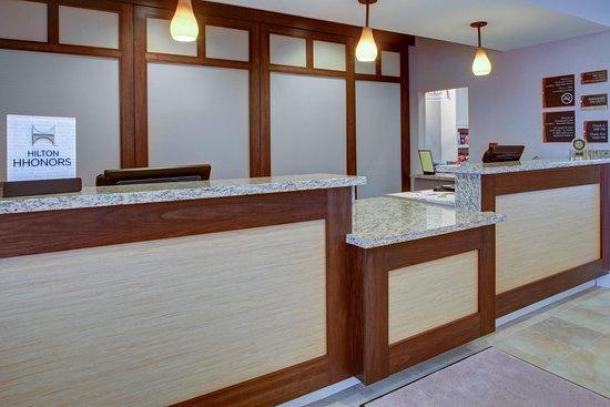Homewood Suites West Palm Beach: Front Desk