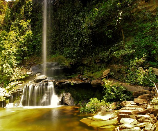 Pirenopolis, GO: Piscina natural da queda da Cachoeira