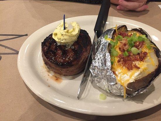 อันดาลูเซีย, อลาบาม่า: Big Mikes Steak House