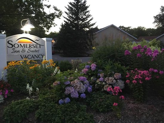 Ephraim, WI: Welcome to Somerset Inn & Suites!