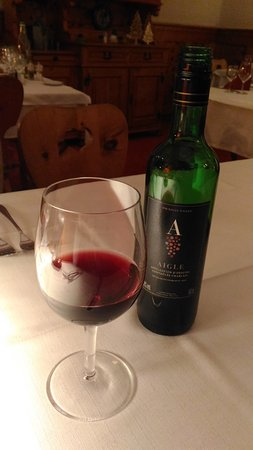 Le Sepey, Switzerland: Swiss red wine from Aigle