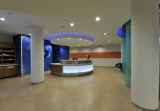 SpringHill Suites San Angelo: Lobby