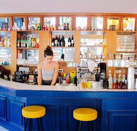 La Seine Cafe: Notre bar