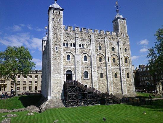 Tour de londres picture of tower of london london for Tour city londres