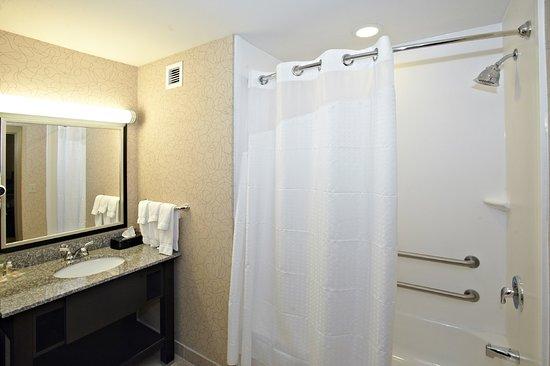 Hoover, AL: Guest Bathroom