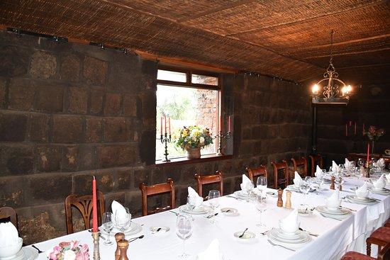 Hacienda San Agustin De Callo: Jadalnia. Też w orginalnych pomieszczeniach inkaskich