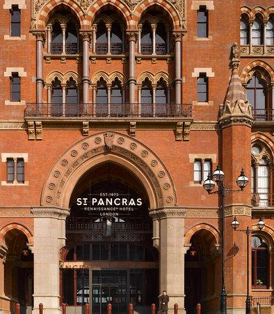 St. Pancras Renaissance Hotel London: Entrance