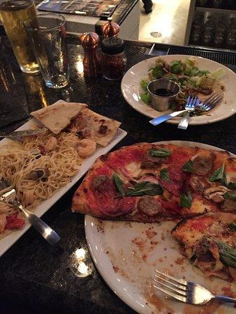 Owens Cross Roads, AL: Shrimp Pasta Dish and Neopolitan Pizza