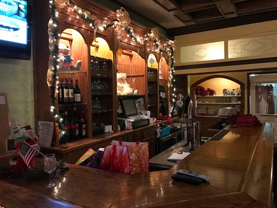 Yreka, CA: Strings bar