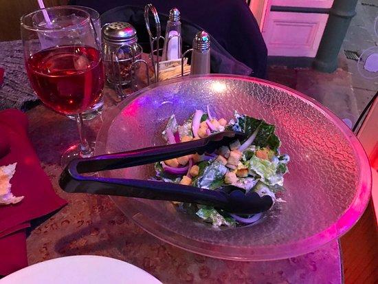 Yreka, Californië: My salad and wine