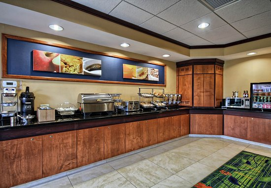 Huntingdon, PA: Breakfast Buffet