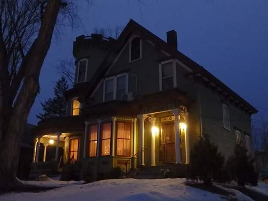 Maplecroft Bed And Breakfast: FB_IMG_1483060188433_large.jpg