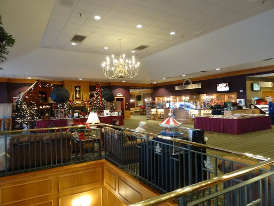 East Earl, PA: The lobby is a fun place to be !