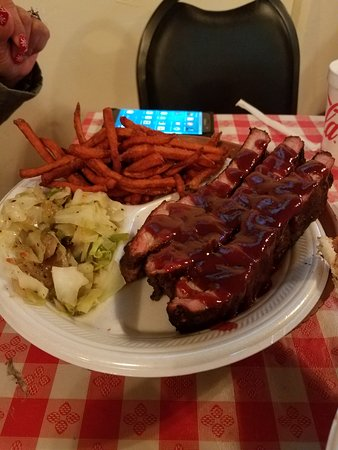 Charleston, Virginia Barat: Ribs with sweet potato fries and cabbage.