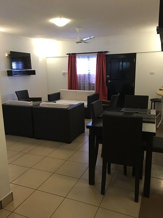 BEST WESTERN Suva Motor Inn: Living area for two bedroom apartment (newly renovated)