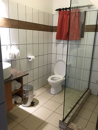 BEST WESTERN Suva Motor Inn: Bathroom amenities for two bedroom apartment (newly renovated)