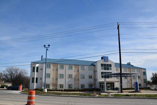 Benbrook, TX: Motel 6