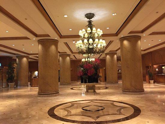 The Ritz-Carlton, Seoul - TEMPORARILY CLOSED: フロント・ロビー 美しい