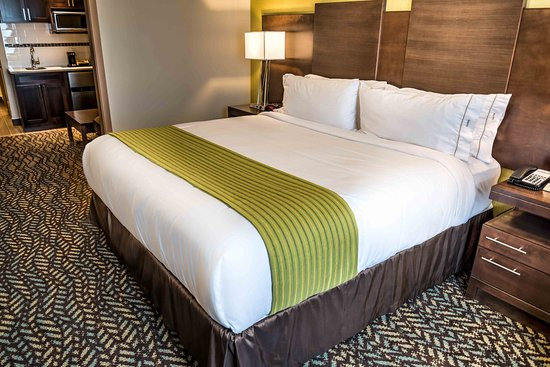 Spruce Grove, Canadá: Deluxe Room, great for the business traveler.