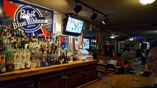 Shelton, WA: Great small-town bar