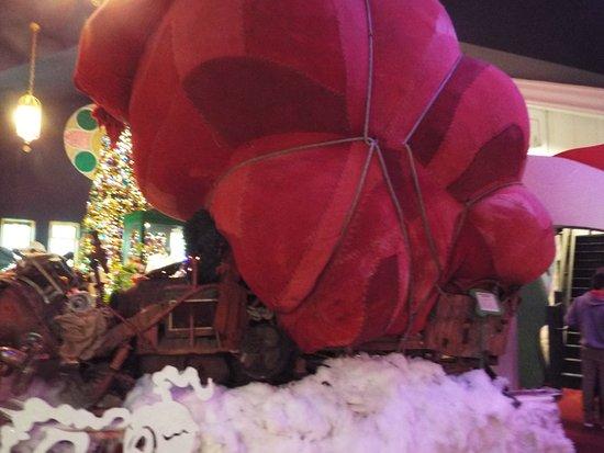 Medina, OH: Even has the Grinch's sleigh!
