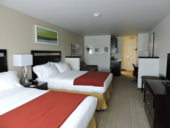 Montgomery, NY: Double Queen Suite