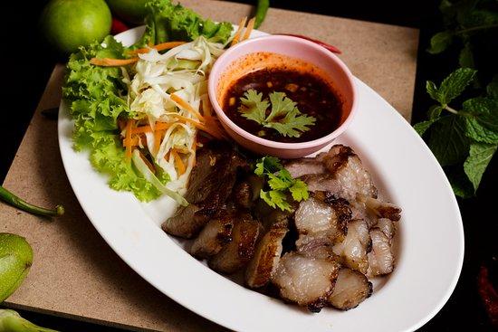 Check Inn Phromphong: Khor-Moo-Yang (Isarn Food)