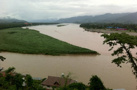 Private Full-Day Tour to Chiang Saen, the Golden Triangle, and Hill...